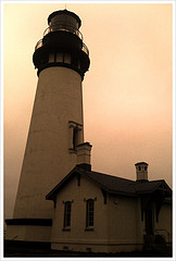 Yaquina Head Lighthouse (click for slideshow)